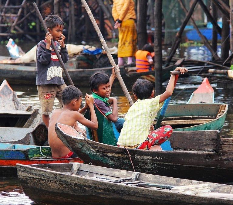 kompong phluk kompong kids on boats