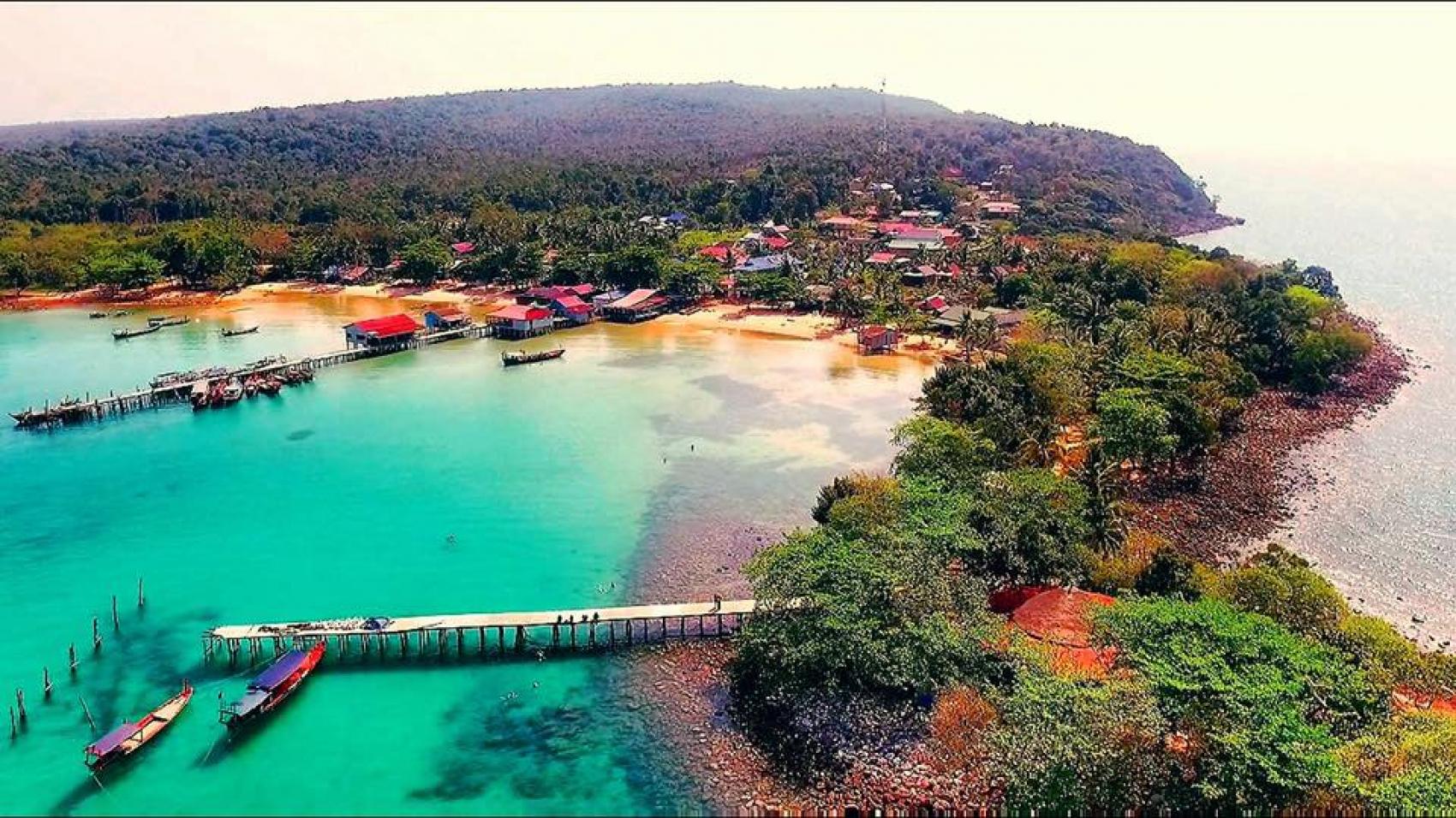 Aerial-shot-of-the-stunningly-beautiful-MPai-Bay.