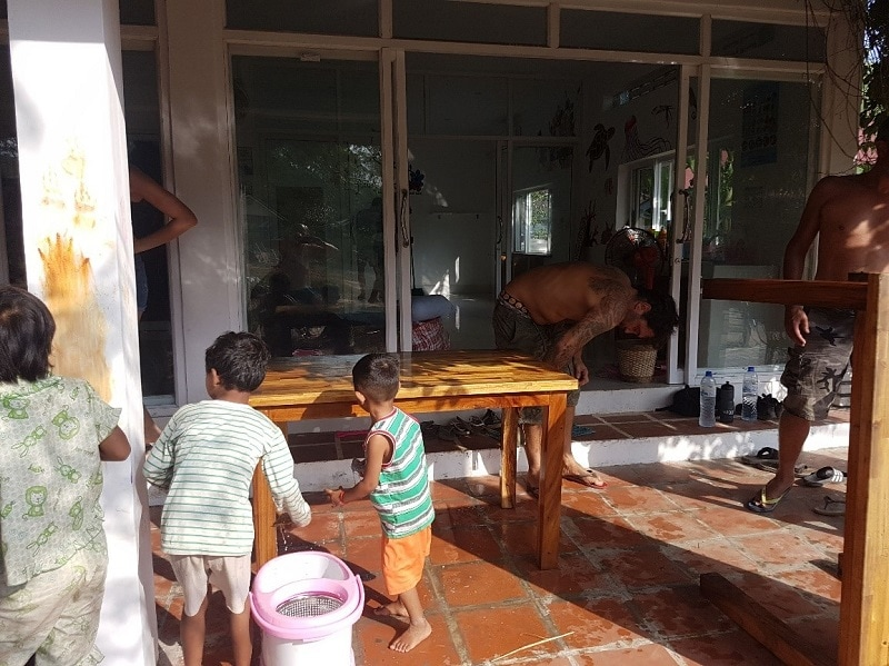 cambodian medical volunteer
